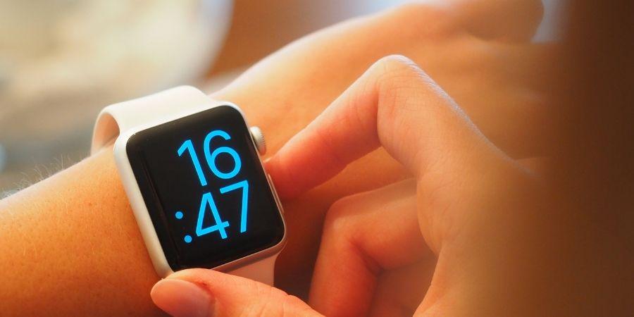 Stor och tydlig digital klocka